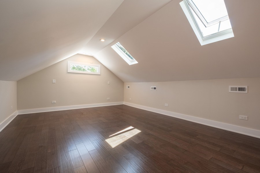 Real Estate Photography - 1038 Cherry, Highland Park, IL, 60035 - Master Bedroom