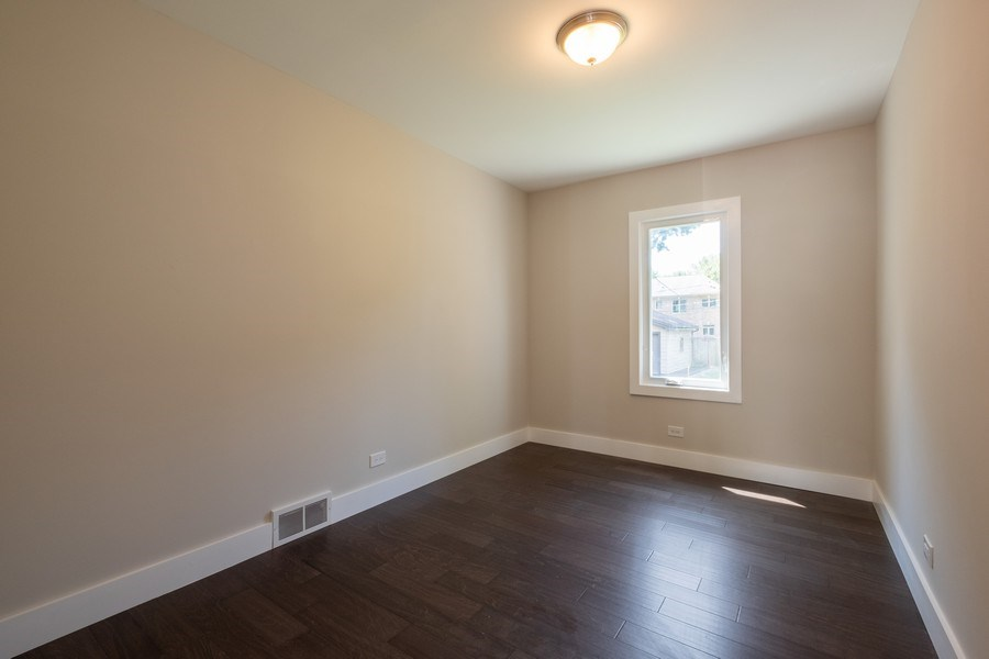 Real Estate Photography - 1038 Cherry, Highland Park, IL, 60035 - 2nd Bedroom