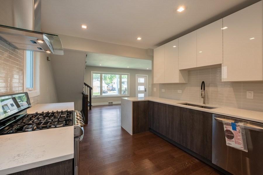 Real Estate Photography - 1038 Cherry, Highland Park, IL, 60035 - Kitchen