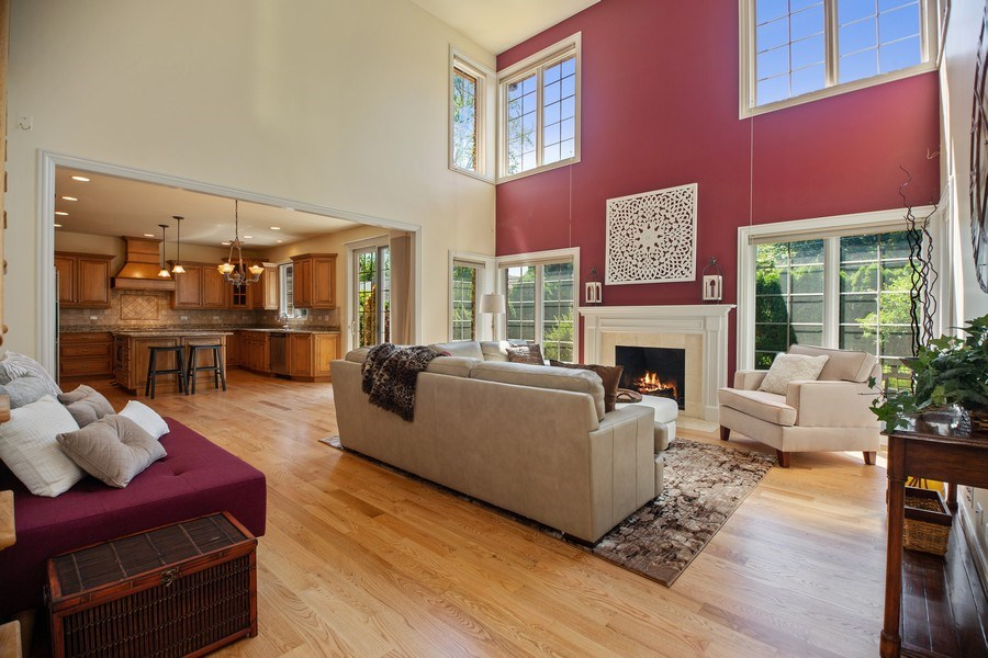 Real Estate Photography - 1326 N Illinois Ave, Arlington Heights, IL, 60005 - Living Room