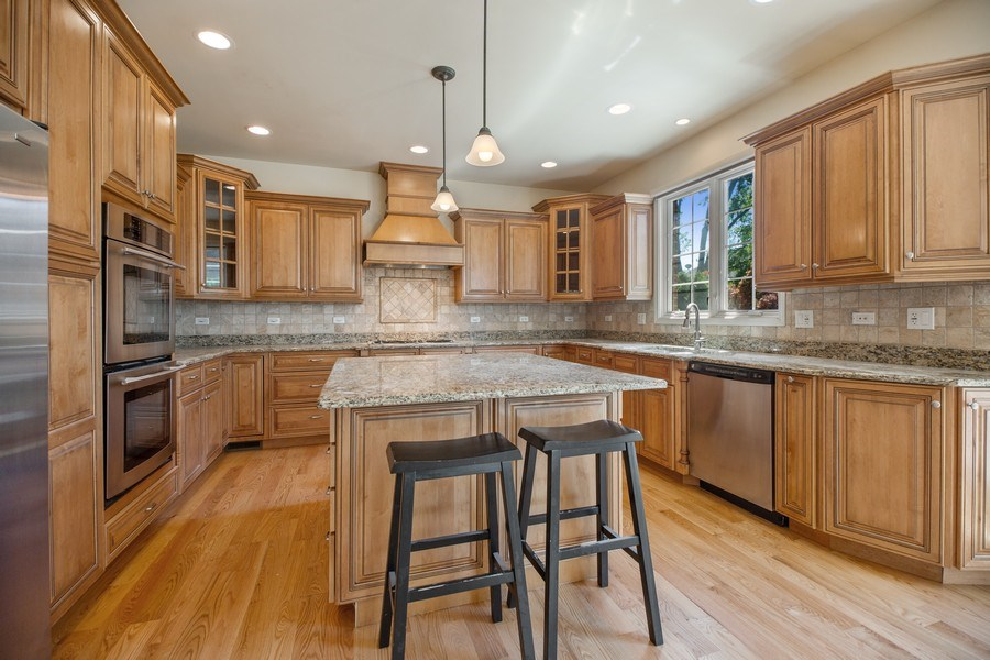 Real Estate Photography - 1326 N Illinois Ave, Arlington Heights, IL, 60005 - Kitchen