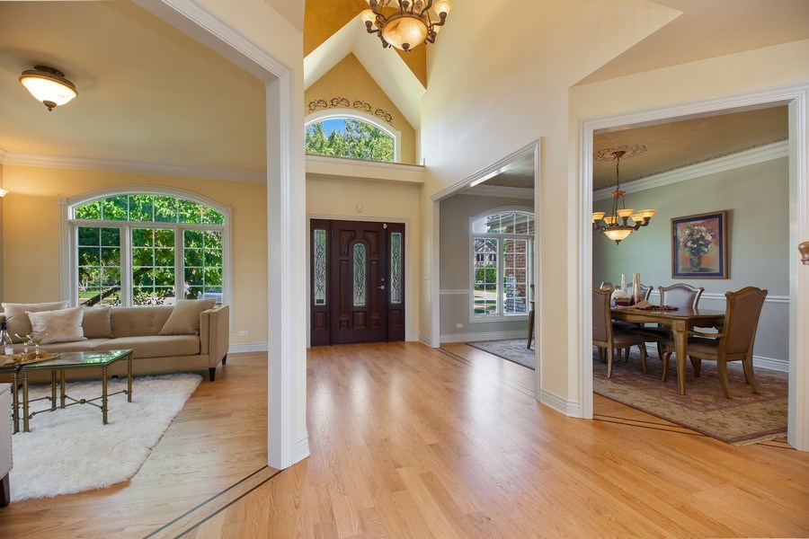 Real Estate Photography - 1326 N Illinois Ave, Arlington Heights, IL, 60005 - Foyer