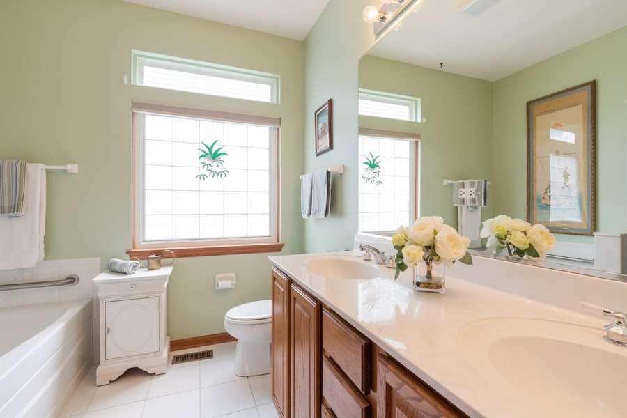 Real Estate Photography - 399 longfield lane, Grayslake, IL, 60030 - Master Bathroom