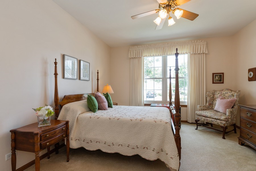 Real Estate Photography - 399 longfield lane, Grayslake, IL, 60030 - 3rd Bedroom