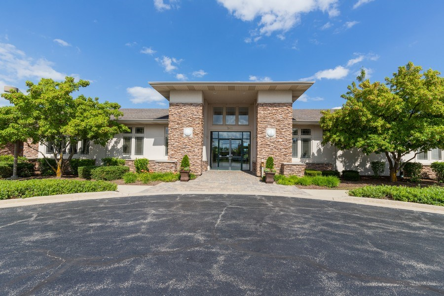 Real Estate Photography - 399 longfield lane, Grayslake, IL, 60030 - Clubhouse