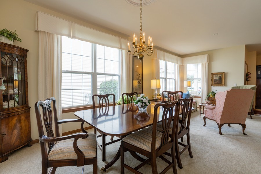 Real Estate Photography - 399 longfield lane, Grayslake, IL, 60030 - Breakfast Area