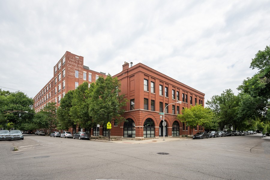 Real Estate Photography - 1707 N Paulina, 304, Chicago, IL, 60622 - Front View