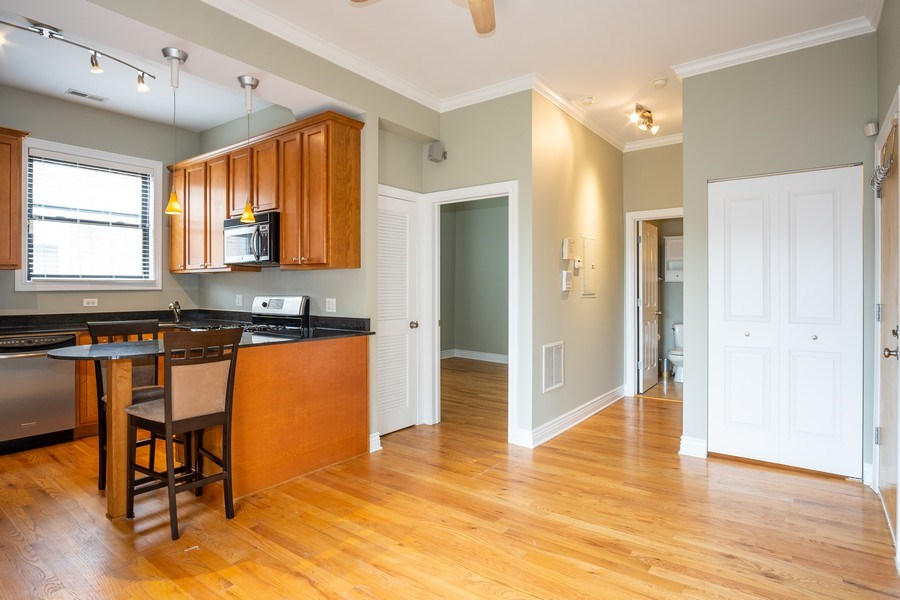 Real Estate Photography - 1707 N Paulina, 304, Chicago, IL, 60622 - Kitchen / Living Room