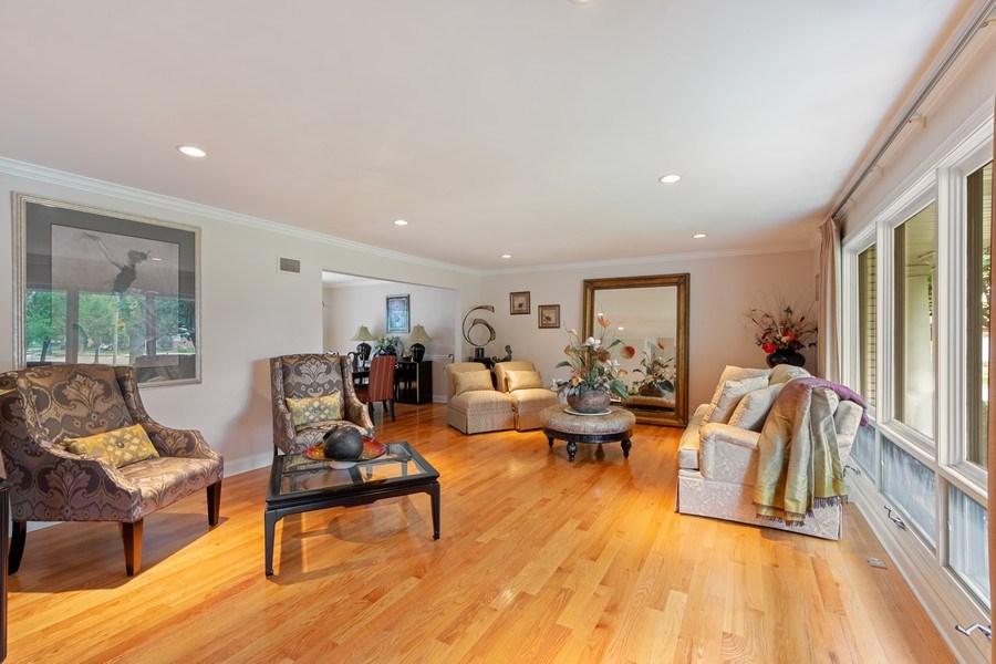 Real Estate Photography - 4 s princeton ct, arlington heights, IL, 60005 - Living Room