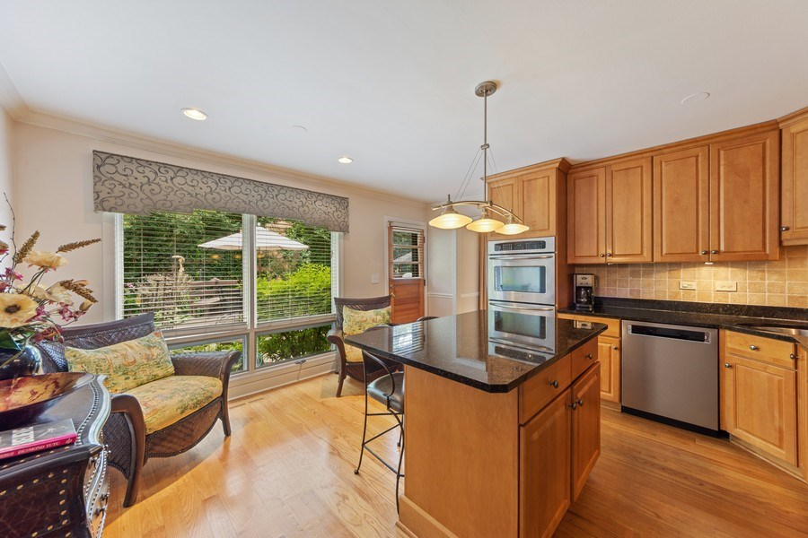 Real Estate Photography - 4 s princeton ct, arlington heights, IL, 60005 - Kitchen