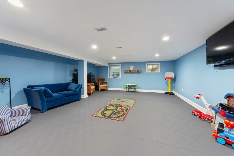 Real Estate Photography - 4 s princeton ct, arlington heights, IL, 60005 - Recreational Room