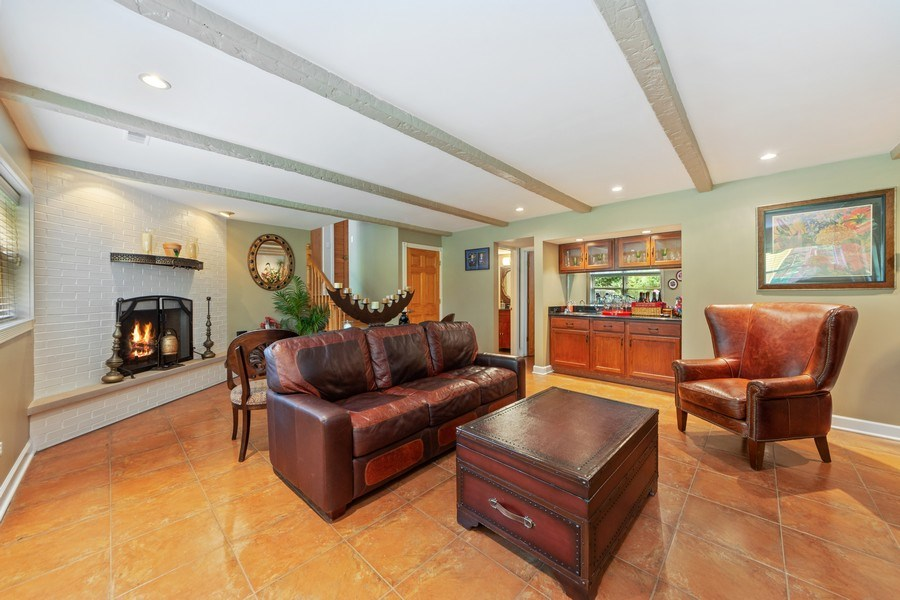 Real Estate Photography - 4 s princeton ct, arlington heights, IL, 60005 - Family Room