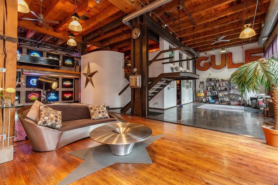 Real Estate Photography - 407 N. Elizabeth St Unit 104, Chicago, IL, 60642 - Living Room