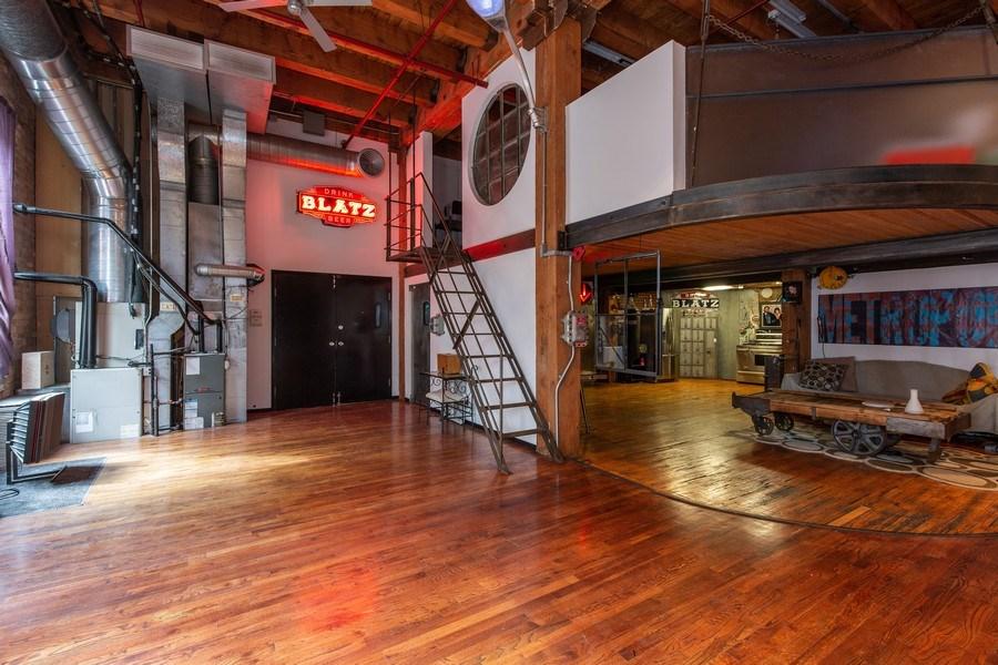 Real Estate Photography - 407 N. Elizabeth St Unit 104, Chicago, IL, 60642 - Entryway