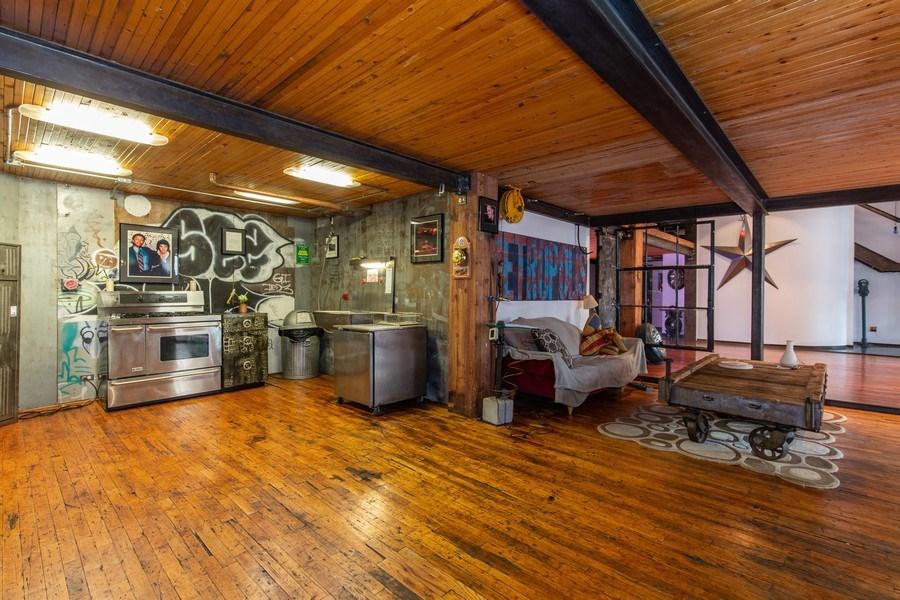 Real Estate Photography - 407 N. Elizabeth St Unit 104, Chicago, IL, 60642 - Kitchen / Dining Room