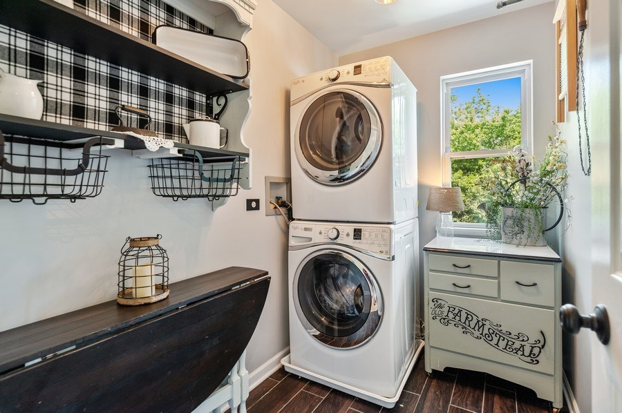 Real Estate Photography - 410 Jackson, Grayslake, IL, 60030 - Laundry Room
