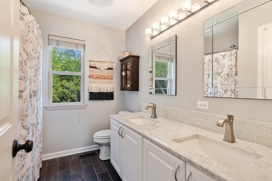 Real Estate Photography - 410 Jackson, Grayslake, IL, 60030 - Bathroom