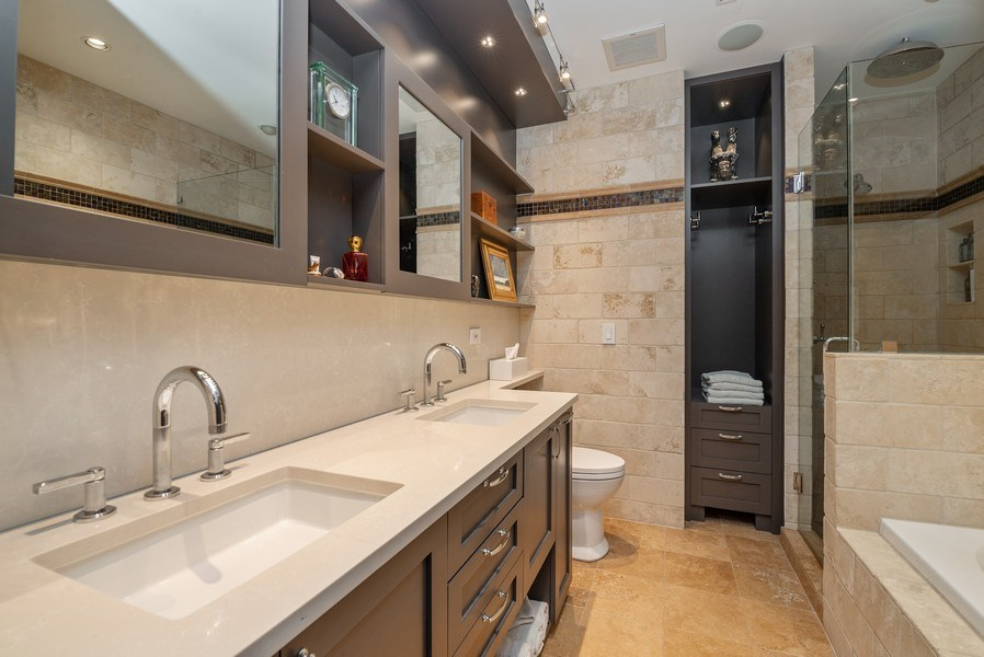 Real Estate Photography - 3101 N. Seminary C, Chicago, IL, 60657 - Master Bathroom