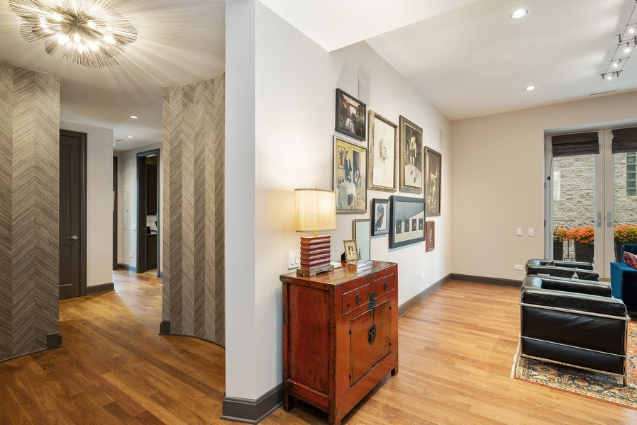 Real Estate Photography - 3101 N. Seminary C, Chicago, IL, 60657 - Hallway
