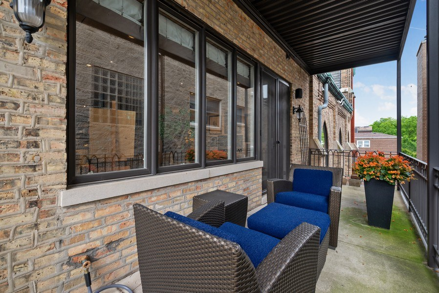 Real Estate Photography - 3101 N. Seminary C, Chicago, IL, 60657 - Deck