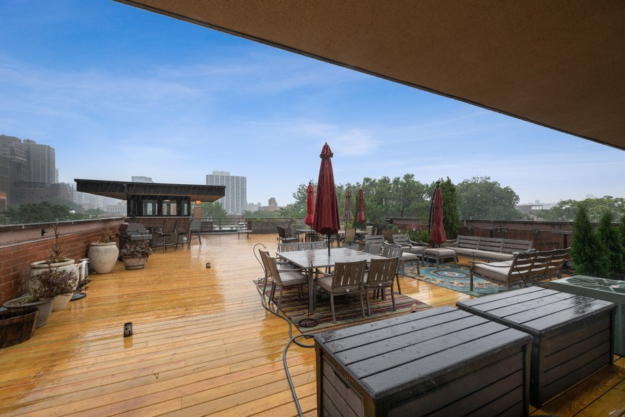 Real Estate Photography - 506 W Roscoe, #302, Chicago, IL, 60657 - Roof Deck
