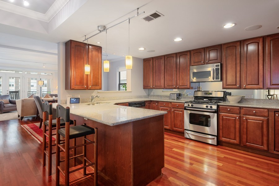 Real Estate Photography - 506 W Roscoe, #302, Chicago, IL, 60657 - Kitchen