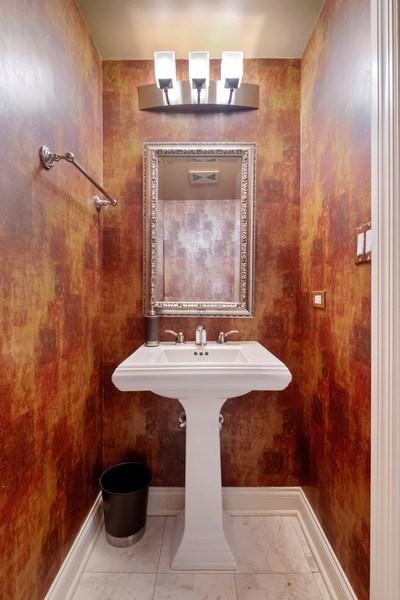 Real Estate Photography - 506 W Roscoe, #302, Chicago, IL, 60657 - Half Bath