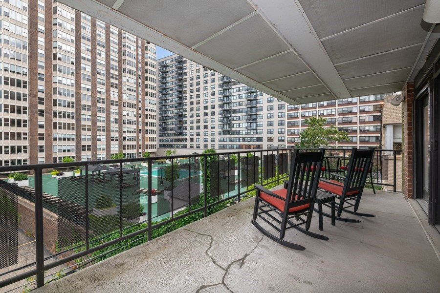 Real Estate Photography - 506 W Roscoe, #302, Chicago, IL, 60657 - Balcony