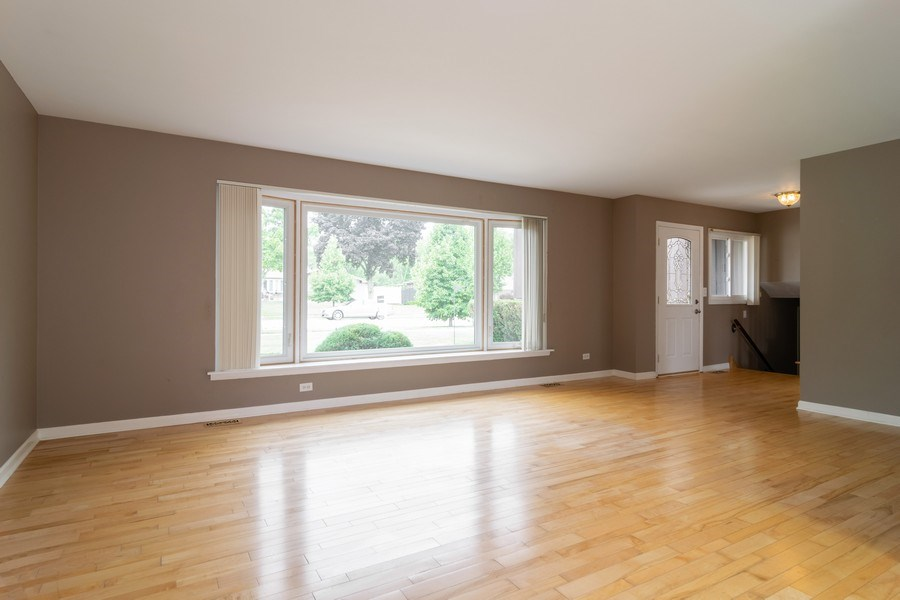 Real Estate Photography - 431 N Regal Ct., Addison, IL, 60101 - Living Room
