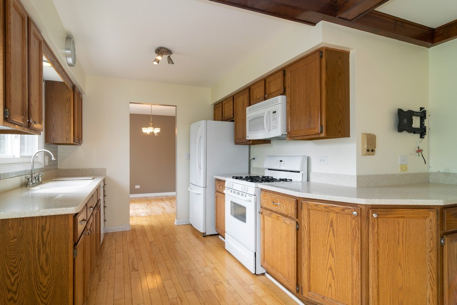 Real Estate Photography - 431 N Regal Ct., Addison, IL, 60101 - Kitchen