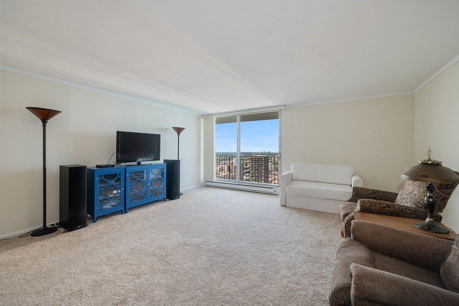 Real Estate Photography - 6033 N. Sheridan, #32D, Chicago, IL, 60660 - Living Room