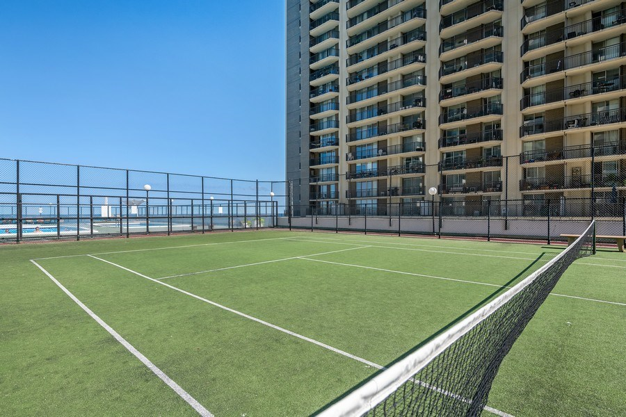 Real Estate Photography - 6033 N. Sheridan, #32D, Chicago, IL, 60660 - Tennis Courts