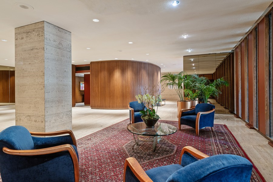 Real Estate Photography - 6033 N. Sheridan, #32D, Chicago, IL, 60660 - Lobby