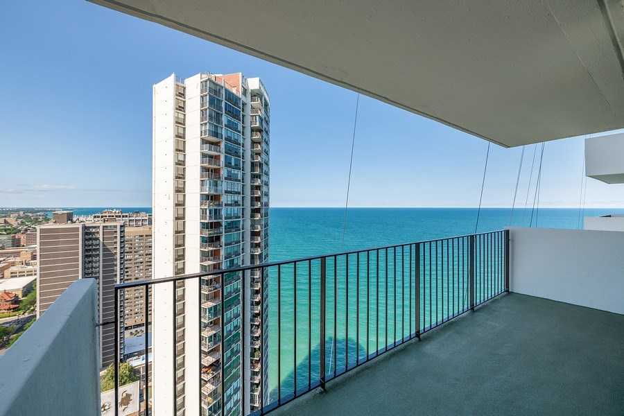 Real Estate Photography - 6033 N. Sheridan, #32D, Chicago, IL, 60660 - Balcony