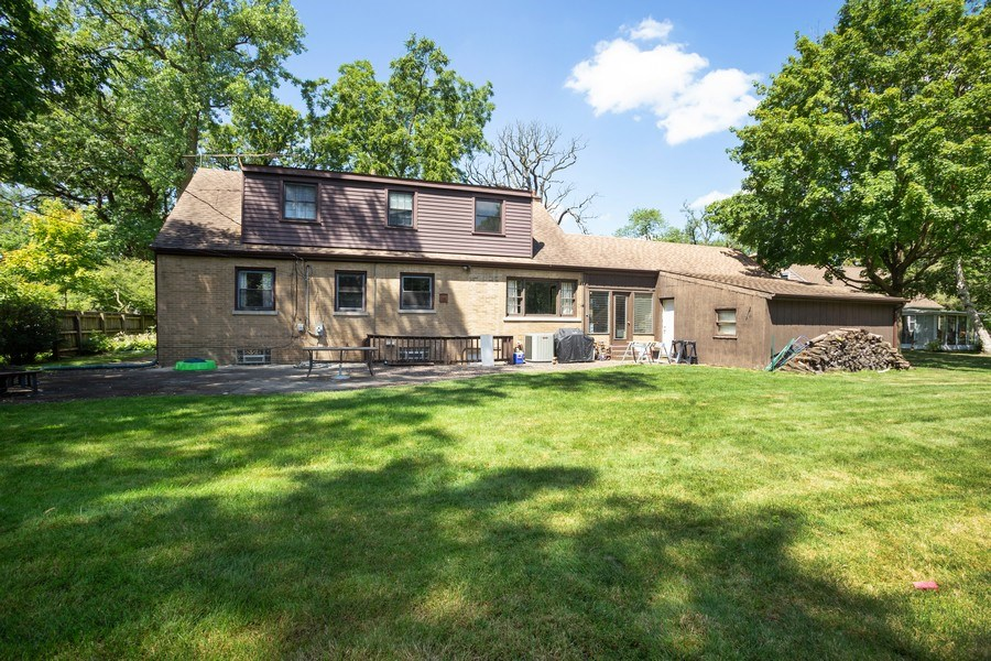 Real Estate Photography - 4n181 Hawthorne Ave, Bensenville, IL, 60106 - Rear View