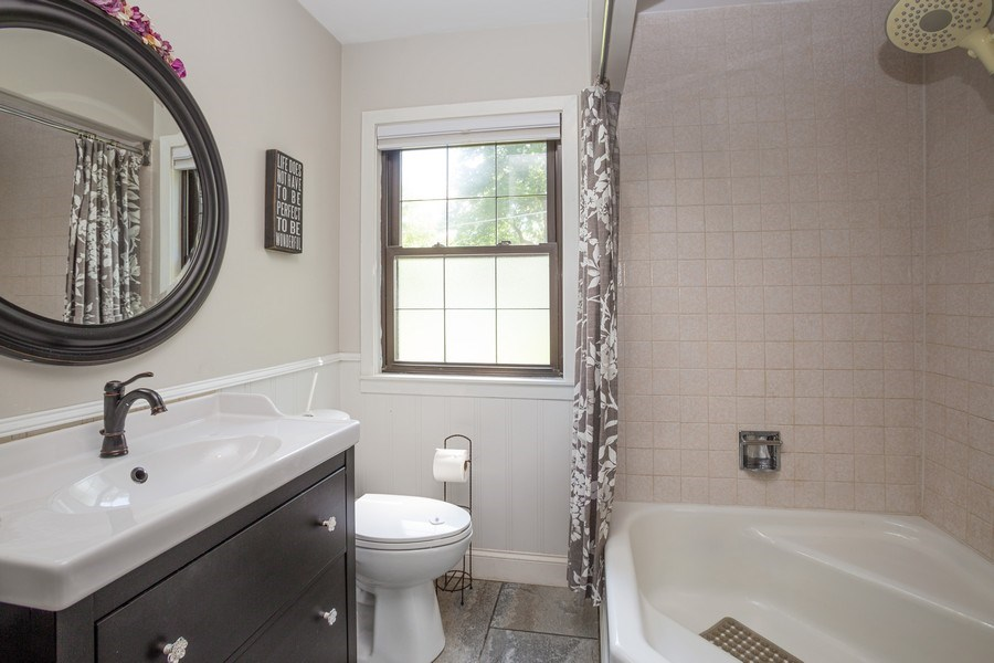 Real Estate Photography - 4n181 Hawthorne Ave, Bensenville, IL, 60106 - 2nd Bathroom