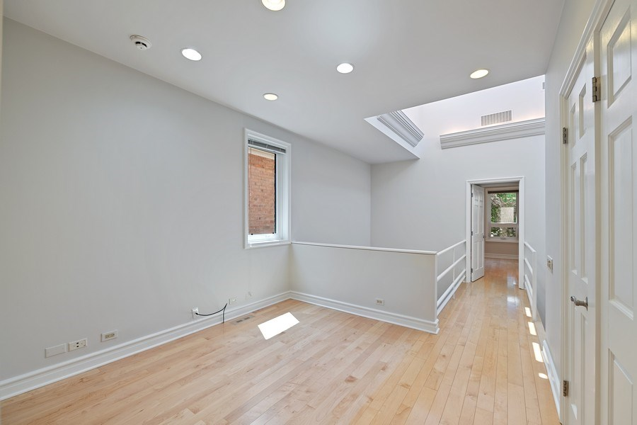 Real Estate Photography - 2237 N. Magnolia Ave., Chicago, IL, 60614 - Den