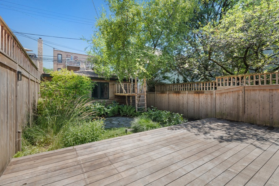 Real Estate Photography - 2237 N. Magnolia Ave., Chicago, IL, 60614 - Deck