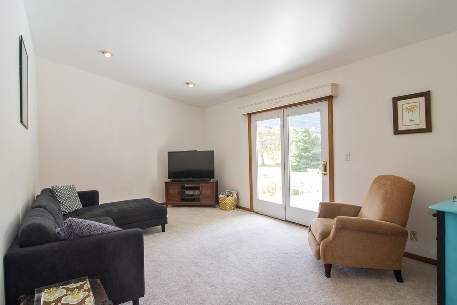 Real Estate Photography - 76 Ivanhoe Lane, Cary, IL, 60013 - Family Room