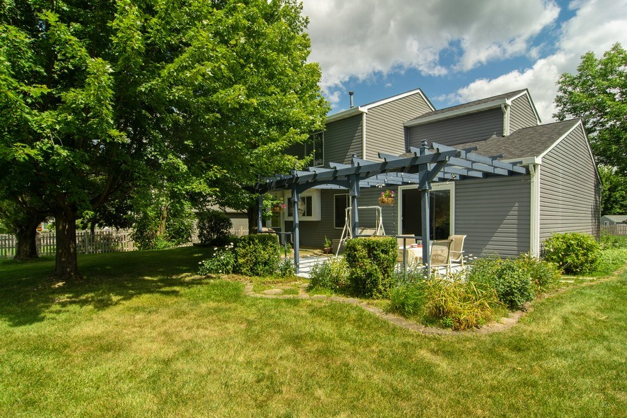 Real Estate Photography - 76 Ivanhoe Lane, Cary, IL, 60013 - Side View
