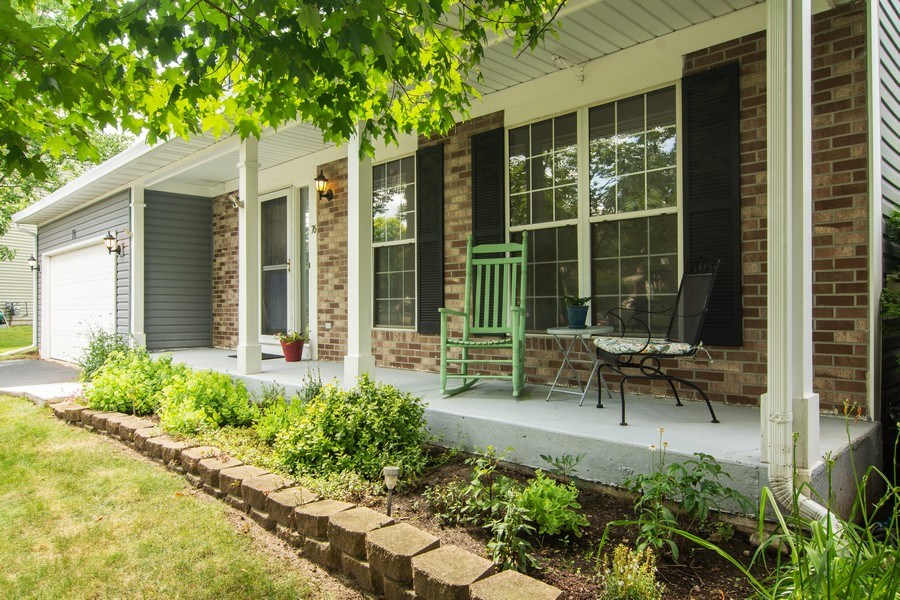 Real Estate Photography - 76 Ivanhoe Lane, Cary, IL, 60013 - Porch