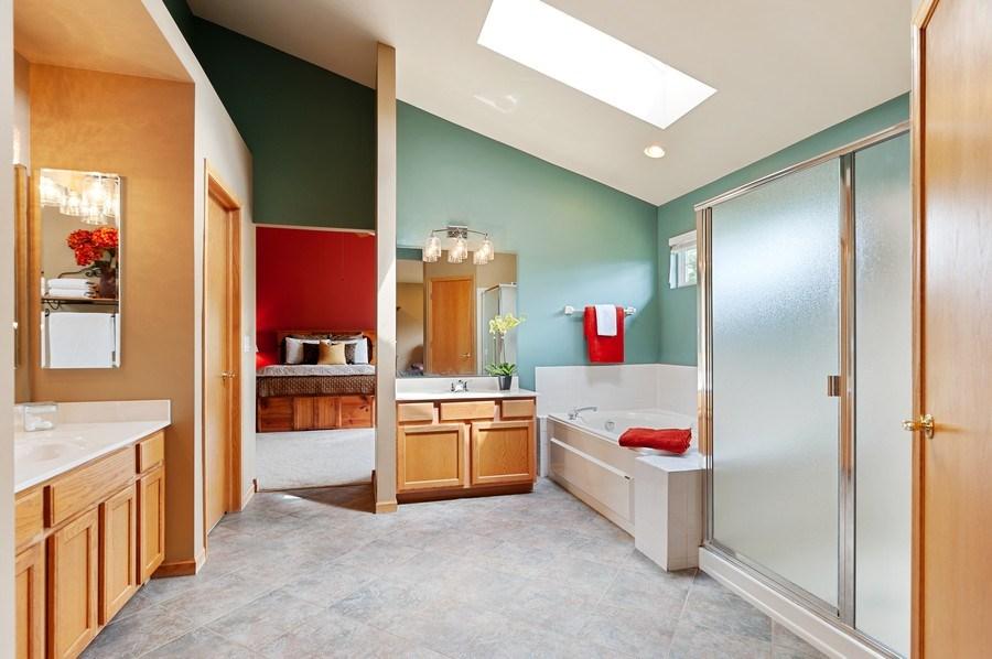 Real Estate Photography - 1448 Somerset, Mundelein, IL, 60060 - Master Bathroom