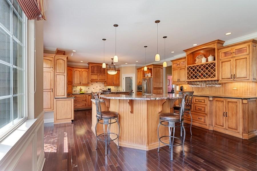 Real Estate Photography - 1448 Somerset, Mundelein, IL, 60060 - Kitchen / Breakfast Room