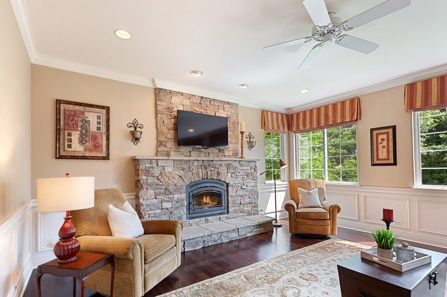 Real Estate Photography - 1448 Somerset, Mundelein, IL, 60060 - Family Room