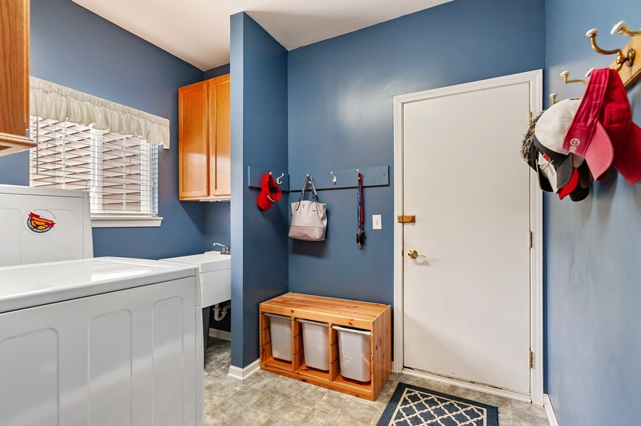 Real Estate Photography - 1448 Somerset, Mundelein, IL, 60060 - Laundry Room