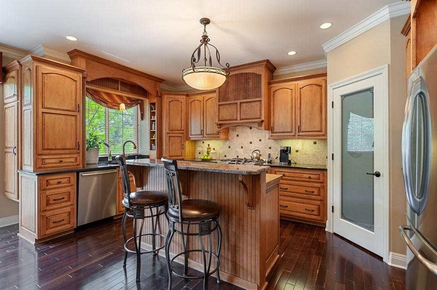 Real Estate Photography - 1448 Somerset, Mundelein, IL, 60060 - Kitchen