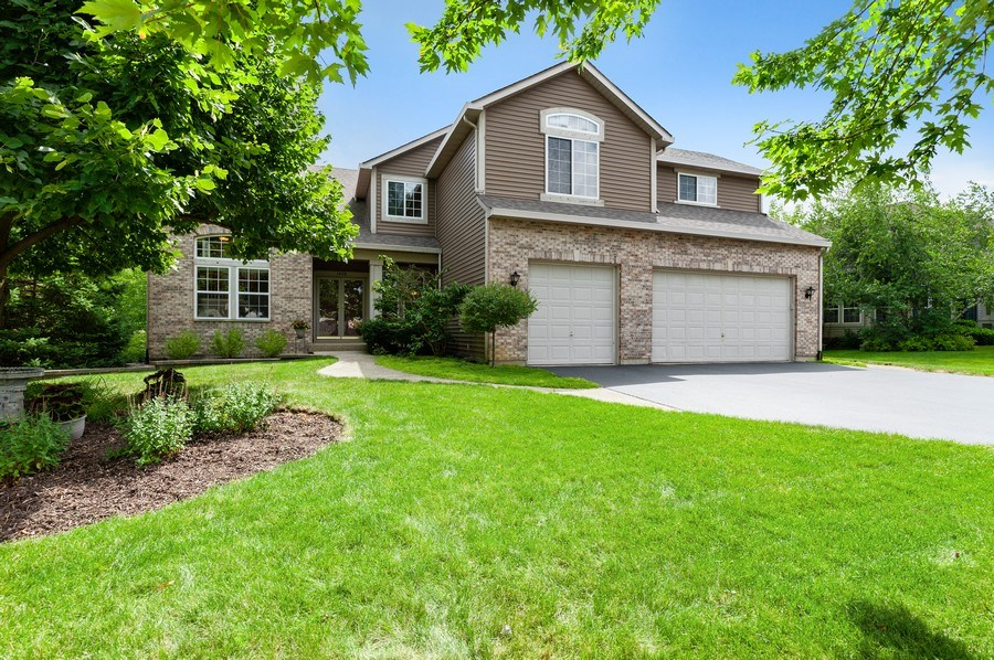 Real Estate Photography - 1448 Somerset, Mundelein, IL, 60060 - Front View