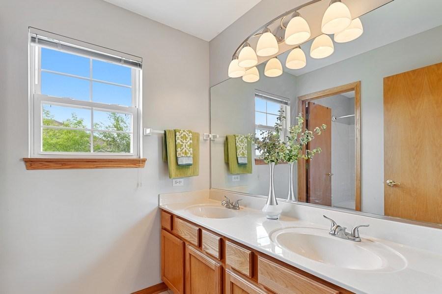 Real Estate Photography - 1448 Somerset, Mundelein, IL, 60060 - Bathroom