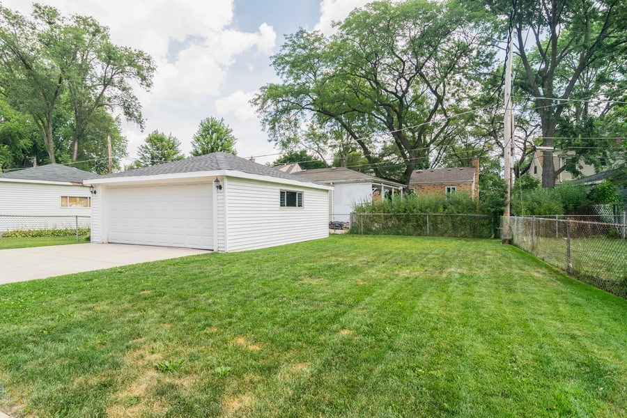 Real Estate Photography - 646 E Clarendon Ave, Arlington Heights, IL, 60004 - Back Yard