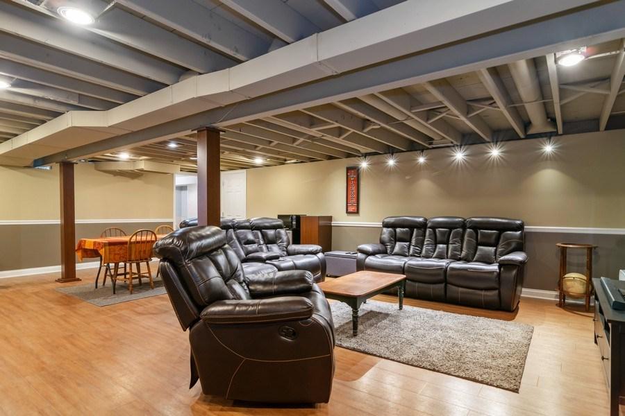 Real Estate Photography - 646 E Clarendon Ave, Arlington Heights, IL, 60004 - Recreational Area